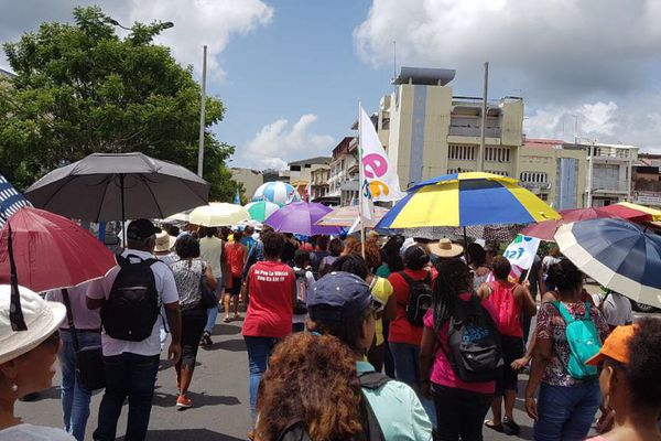 Manifestation contrats aidés