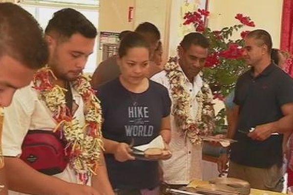 accueil rameurs wallisiens à tahiti Vaa 2018