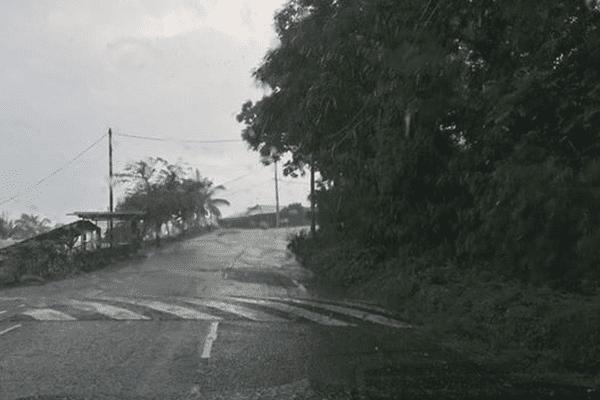 Attention aux fortes pluies sur la Société et les Tuamotus
