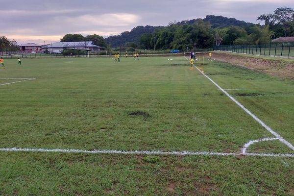 Remise aux normes du terrain de football du Vieux Chemin à Rémire-Montjoly