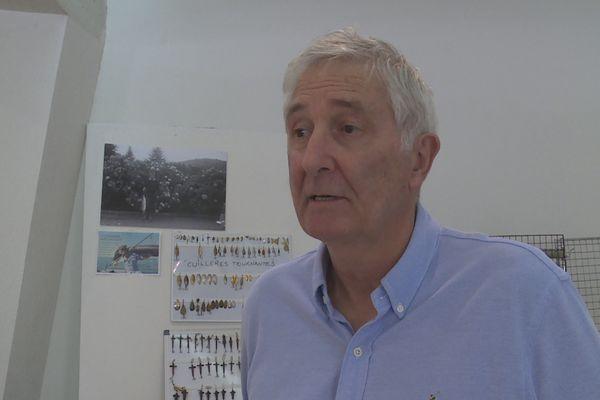 Richard Bertin, collectionneur et passionné de pêche à la mouche