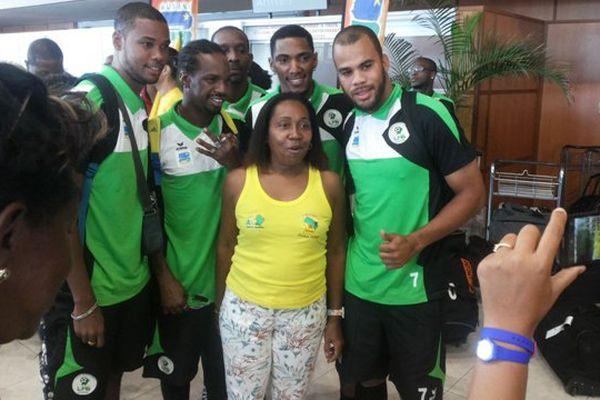 Les Yana Dòkò avec les supporters