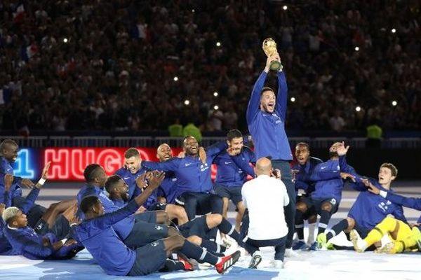 L'équipe de France au stade de France avec sa coupe du monde en 2018