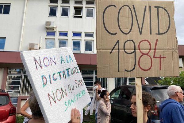 coronavirus covid manifestation contre mesures sanitaires Saint-Pierre 160721