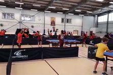 Le championnat de Martinique de tennis de table par équipes chez les jeunes.