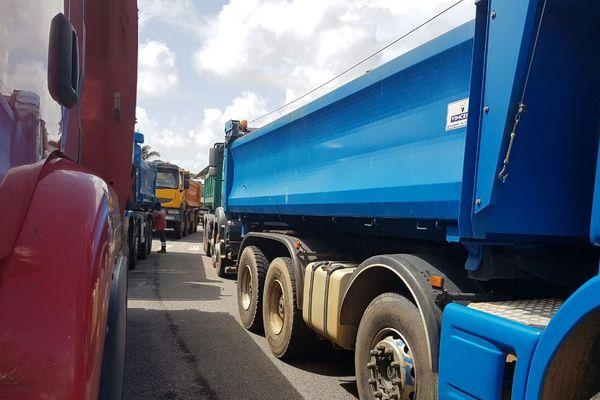 Blocage de l'entreprise Eiffage par des transporteurs