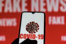 Les fake news concernant le Covid-19 pullulent sur les réseaux sociaux.