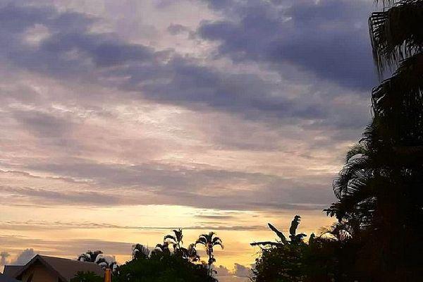 Temps nuageux sur St Denis 25 février 2020