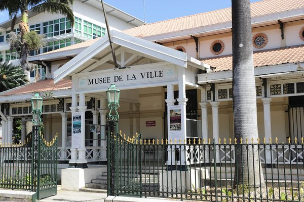 façade du musée de la Ville de Nouméa