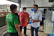 Le gouverneur Waldez Góes à l'ouverture de l'usine d'oxygène à Oiapoque avec le maire  Breno Almeida