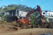 Les engins de chantier sont entrés en action à proximité du pont de Mangajou.