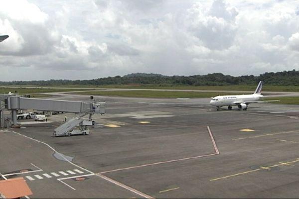 Tarmac aéroport Félix Eboué