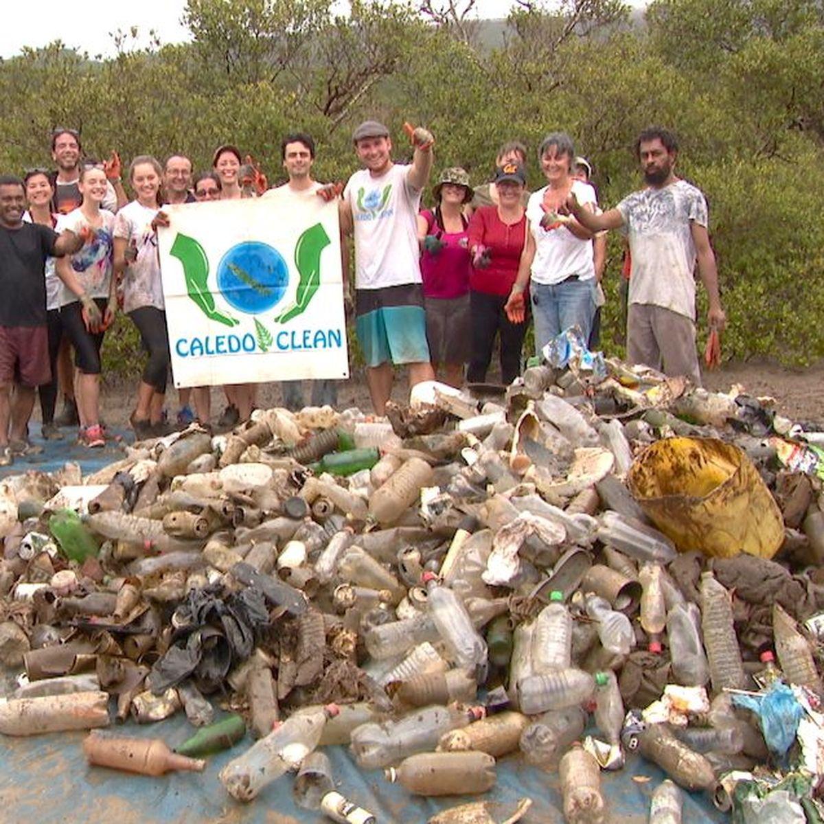 Cinq cents kilos de déchets en moins dans la mangrove de N'Dé