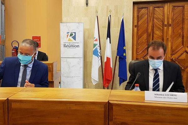 Au Conseil départemental, Sébastien Lecornu tient une réunion de crise sur la situation sanitaire.