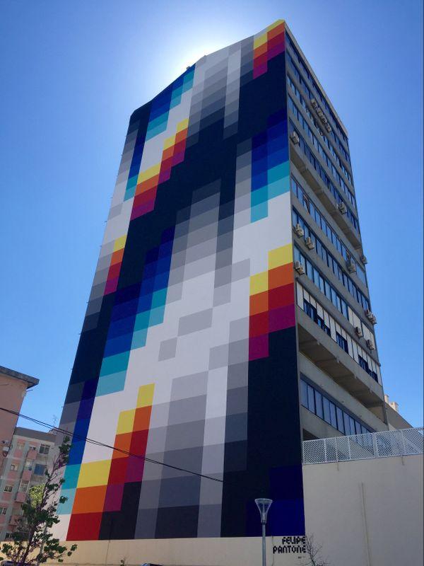 Mur peint à Lisbonne par PANTONE