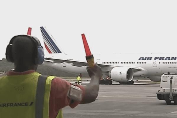 Nouveau boing 777 sur la ligne Paris-Cayenne