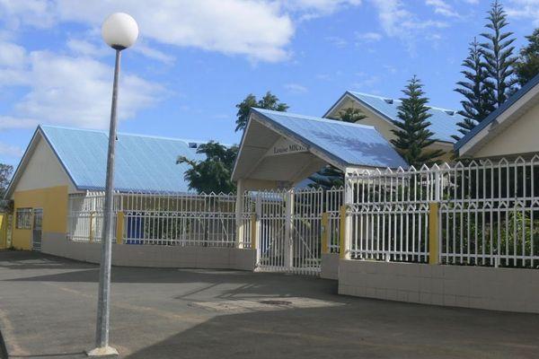 Le collège Louise-Michel de Païta.