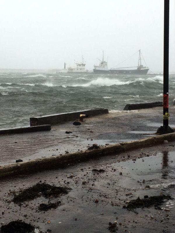 Saint-Pierre : la tempête en dix images