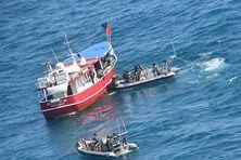 Le Mi Francis bateau vénézuélien arraisonné par les hommes de la Résolue
