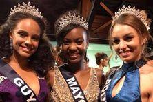 Miss Guyane, Miss Mayotte et Miss Aquitaine lors de la soirée Miss France