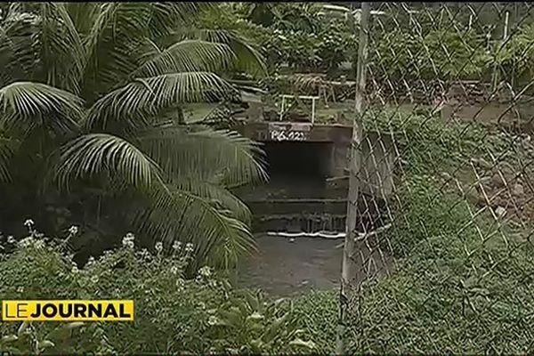 Une canalisation percée incommode les habitants de Matatia