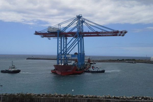 Nouveaux portiques pour containers  Port