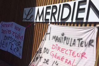 Le personnel USTKE du Méridien grève
