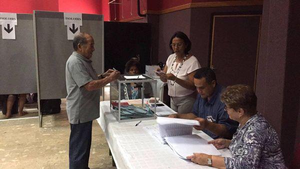 Vote deuxième second tour élections législatives centre socioculturel La Foa (18 juin 2017)