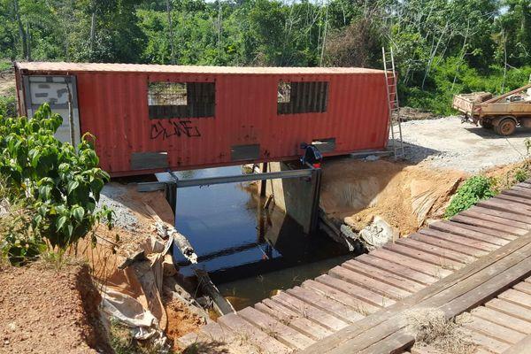 Un pont container