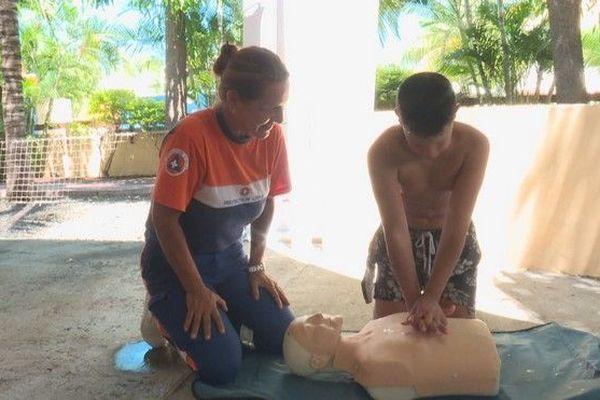 Baignade geste qui sauvent noyade parc aquatique akoatys 090319