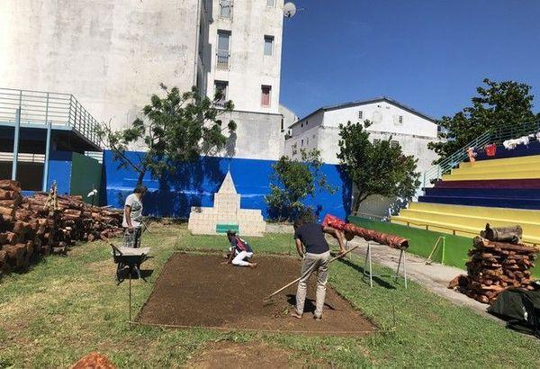 Préparation du carré pour marche sur le feu temple marliémen Chaudron nouvel an 010119