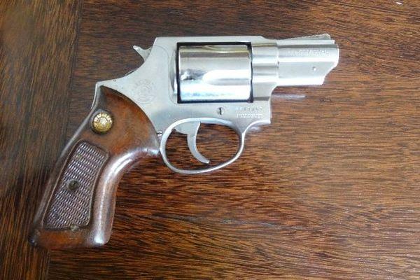 Pistolet 38