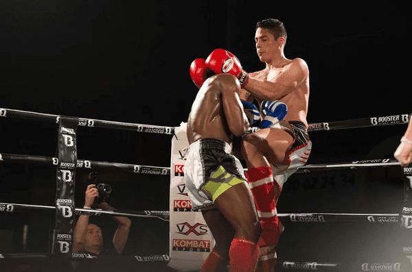 Le militaire est champion de kickboxing catégorie amateur