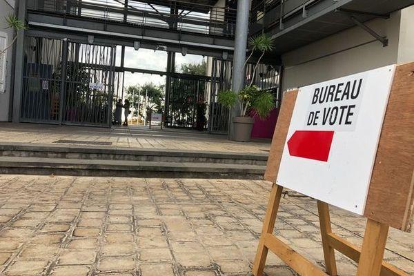élection législative partielle 2ème circonscription bureau de vote Le Portl 200920