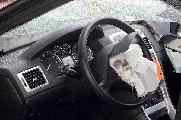 Cause de la révision ; le voyant de l'airbag