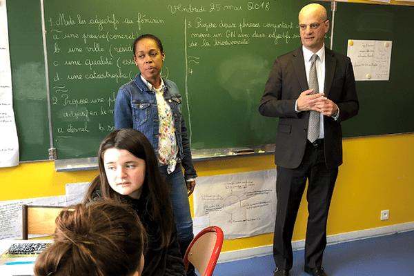 Jean-Michel Blanquer visite l'école du Socle