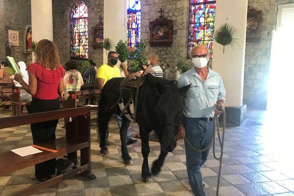 Fete des rameaux à l'église de Saint-Benoit