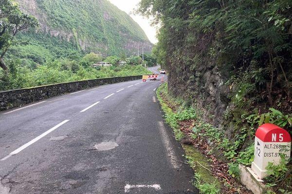 Route de Cilaos eboulis secteur Ilet Alcide 190321
