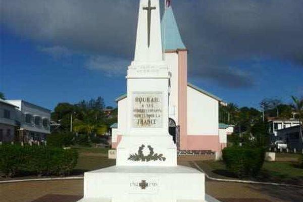 Le monument aux morts de Bourail