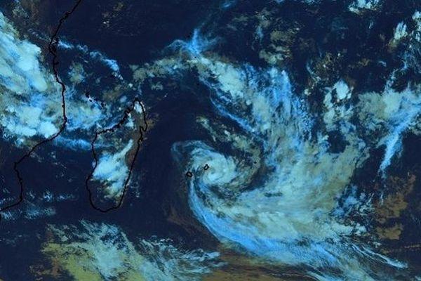La forte tempête tropicale Calvinia commence à s'éloigner de La Réunion, ce mardi 31 décembre.