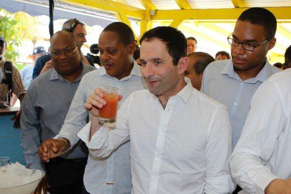 Aux Antilles, Hamon ne soulève pas les foules
