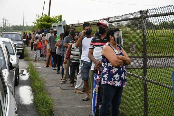 Habitants de Trinidad et vaccin