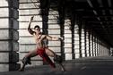 La beauté de la danse tahitienne sur papier glacé