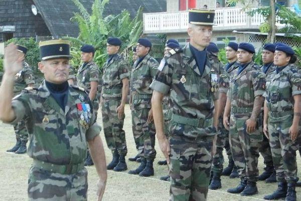 Des centaines de jeunes tahitiens servent dans l'armée française. Ici le RSMA d'Hiva Oa.