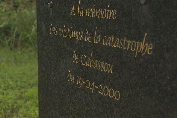 Cabassou Stèle