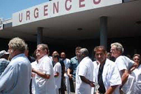 Médecins en grève au CHM