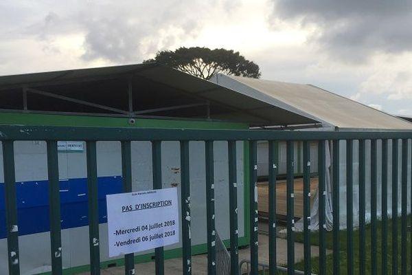 Les bungalows du terrain Raymond Cresson précédemment utilisés par l'école de Zéphyr