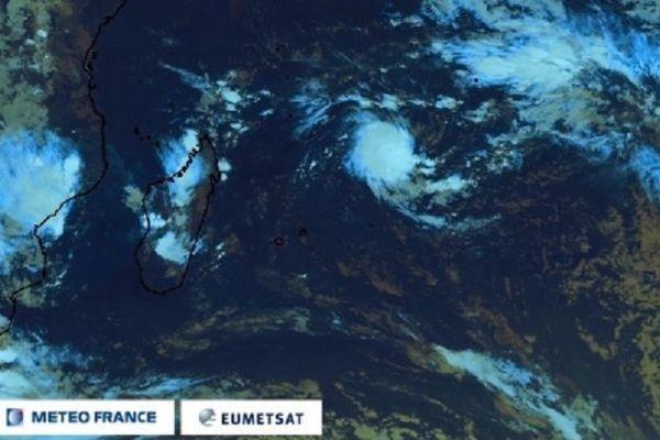 Une dépression tropicale à 1 460 km de La Réunion
