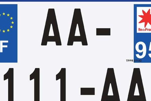 Plaque d'immatriculation unique pour les 2 routes et les tricycles