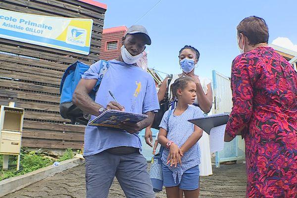 pétition école de cocoyer au Gosier